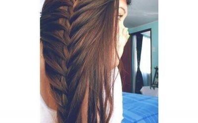 Trenza a un lado  semi deshecha, peinado bonito y sencillo para pelo largo