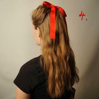 Peinados sencillos con diademas, pasadores y lazos para Navidad