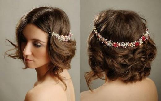 Peinados sencillos con diademas, pasadores y lazos para Navidad 4