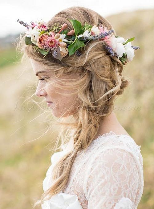 Peinados novia boda con corona o tocado de flores 2